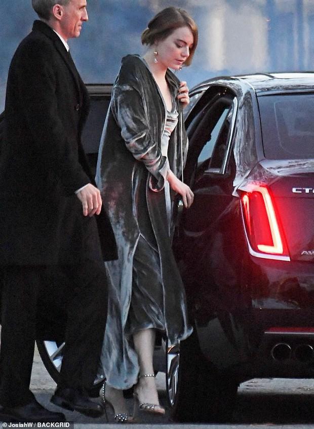 Hôn lễ mỹ nhân X-Men Jennifer Lawrence: Adele và dàn siêu sao đến dự, lâu đài thắt chặt an ninh, xe cứu thương bỗng xuất hiện - Ảnh 11.
