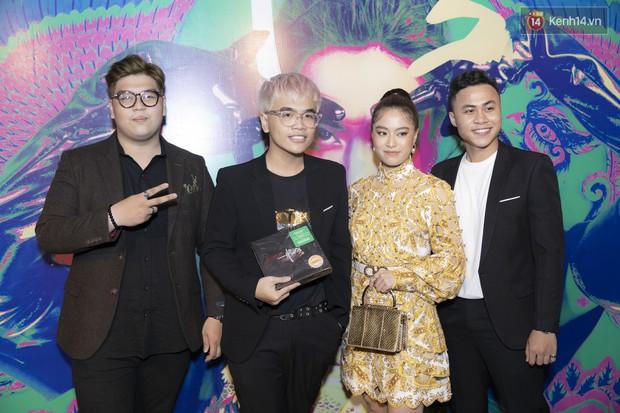 Album mới của Hoàng Thùy Linh chỉ vừa in xong 1 tiếng trước khi họp báo, sẽ nhờ khán giả chọn bài hát tiếp theo để quay MV - Ảnh 4.