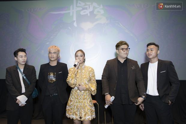 Album mới của Hoàng Thùy Linh chỉ vừa in xong 1 tiếng trước khi họp báo, sẽ nhờ khán giả chọn bài hát tiếp theo để quay MV - Ảnh 8.