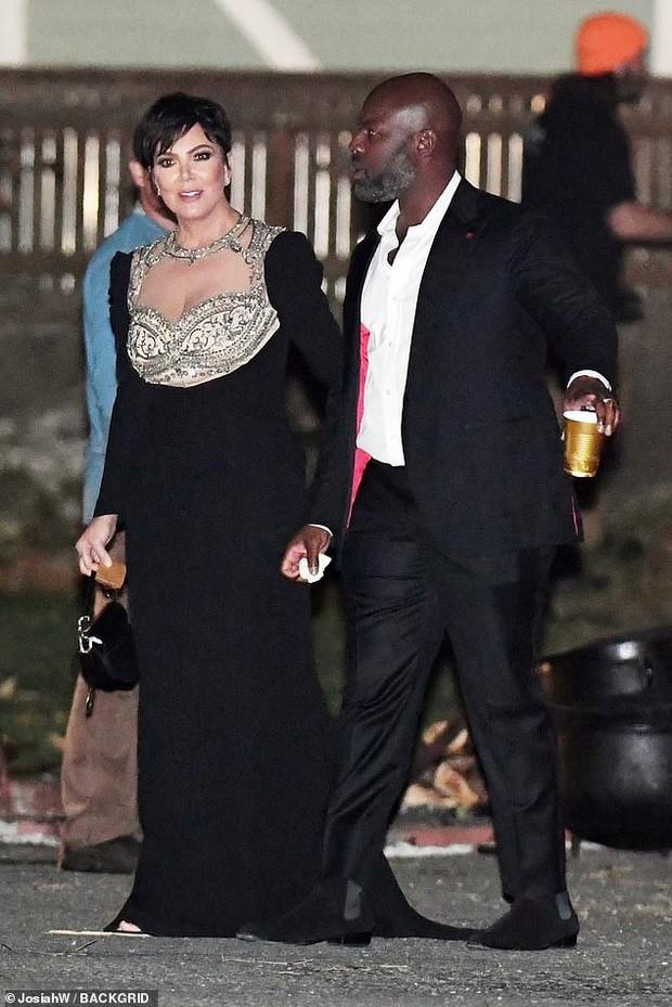 Hôn lễ mỹ nhân X-Men Jennifer Lawrence: Adele và dàn siêu sao đến dự, lâu đài thắt chặt an ninh, xe cứu thương bỗng xuất hiện - Ảnh 13.