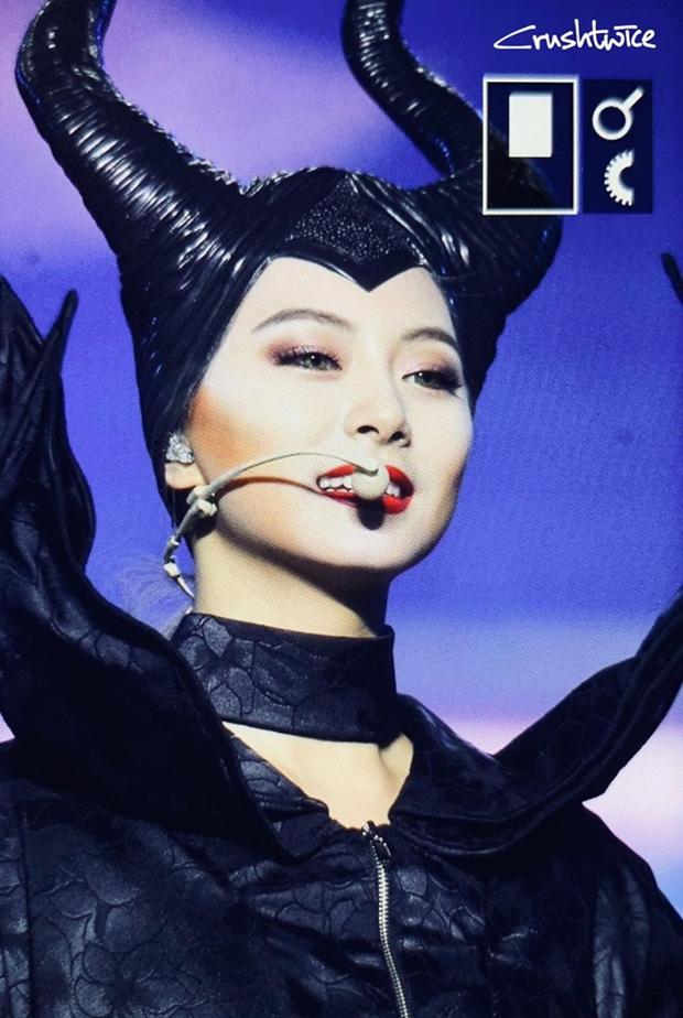 TWICE gây sốc với màn hoá trang Halloween cực độc nhưng cũng không hot bằng sự trở lại của Mina trên sân khấu - Ảnh 4.