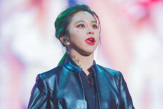TWICE gây sốc với màn hoá trang Halloween cực độc nhưng cũng không hot bằng sự trở lại của Mina trên sân khấu - Ảnh 7.