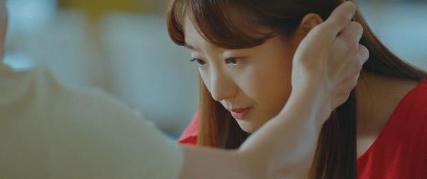 Ji Chang Wook bị cưỡng hôn ở Nhẹ Nhàng Tan Chảy: Chăm crush như chăm con cũng đến ngày được hái quả! - Ảnh 8.