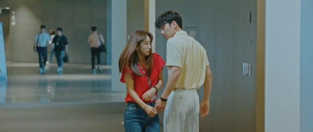 Ji Chang Wook bị cưỡng hôn ở Nhẹ Nhàng Tan Chảy: Chăm crush như chăm con cũng đến ngày được hái quả! - Ảnh 7.
