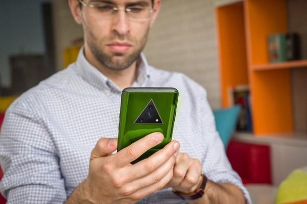 Bạn nghĩ camera smartphone hiện nay trông quái đản quá? Xu thế năm sau còn kỳ quặc hơn! - Ảnh 1.