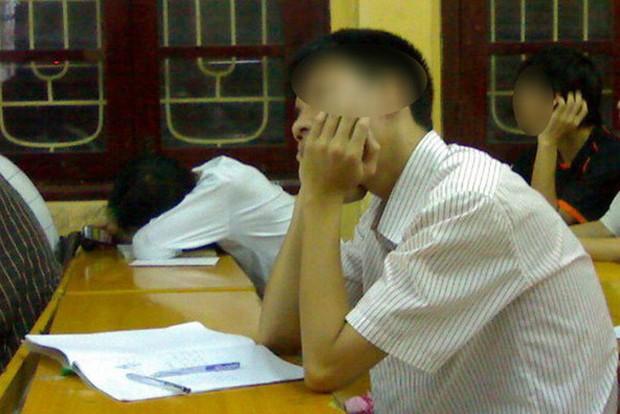 Người nhà tố giáo viên không lương tâm vì quay clip học sinh ngủ gật và chiếu cho cả lớp xem, dân mạng lại có phản ứng bất ngờ - Ảnh 3.