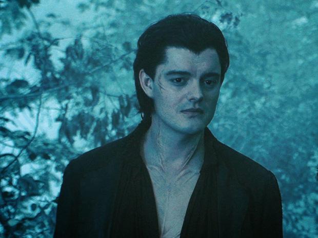 Bỏng mắt trước đại chiến nhan sắc của Maleficent: Hai bà sui chanh sả át cả con gái, anh quạ đẹp không thua hoàng tử - Ảnh 26.
