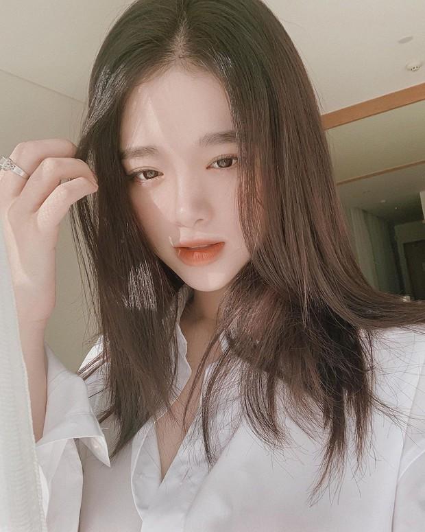 Linh Ka đạt 1 triệu người theo dõi trên Instagram, chính thức ra nhập club triệu follow cùng Chi Pu, Châu Bùi, Trang Lou - Ảnh 3.