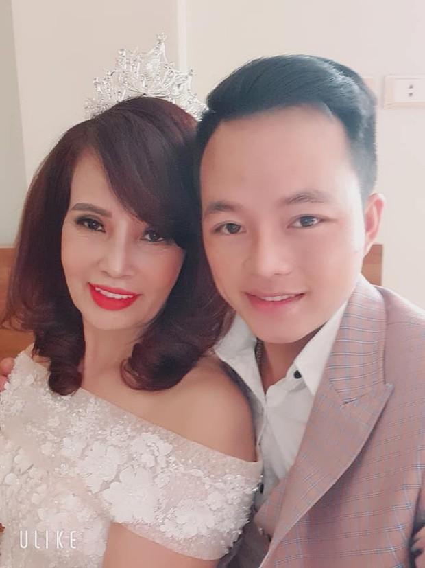 Sau hơn 1 năm kết hôn, cô dâu 62 tuổi bất ngờ được chồng trẻ tặng quà khủng bên bờ suối nhân dịp 20/10 gây xôn xao - Ảnh 2.
