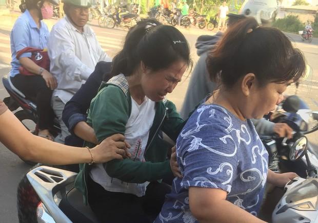 TP.HCM: Chồng bị xe đâm tử vong trên đường đi làm, vợ khóc ngất tại hiện trường - Ảnh 3.
