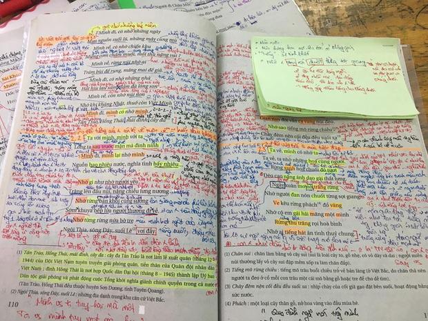 Chữ chi chít trang giấy, hightlight đủ màu chữ sặc sỡ bày sắc cầu vồng, học sinh chỉ cần nhìn phát biết ngay dân chuyên nào! - Ảnh 1.