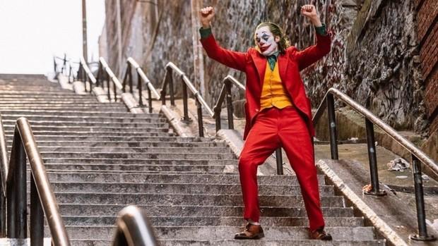 Chỉ là 1 chiếc cầu thang vô danh thôi nhưng cầu thang của gã hề Joker đang là điểm hút khách du lịch bậc nhất hiện nay ở New York - Ảnh 1.