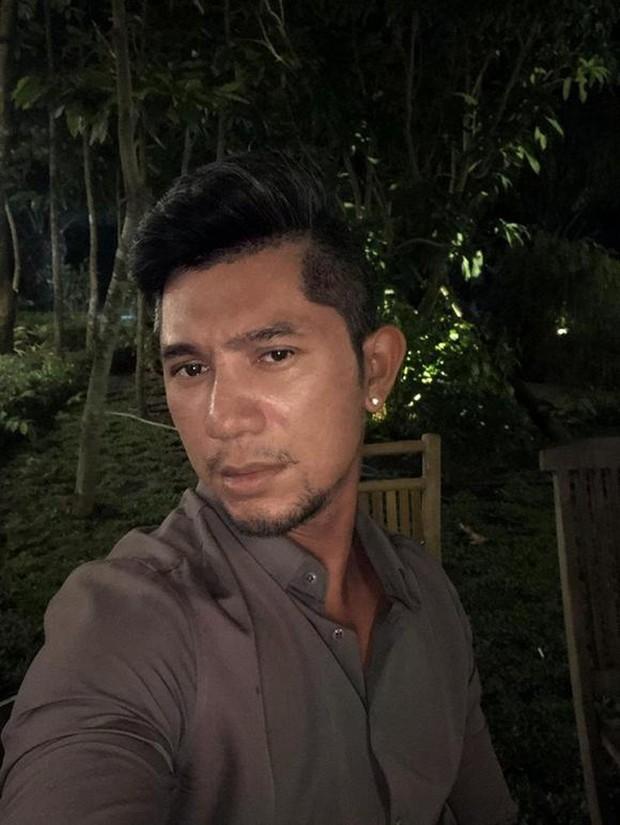 Nhan sắc thật sao nam Vbiz qua camera thường: Hiếm người giữ trọn vẻ điển trai, gây tranh cãi nhất là Việt Anh! - Ảnh 9.
