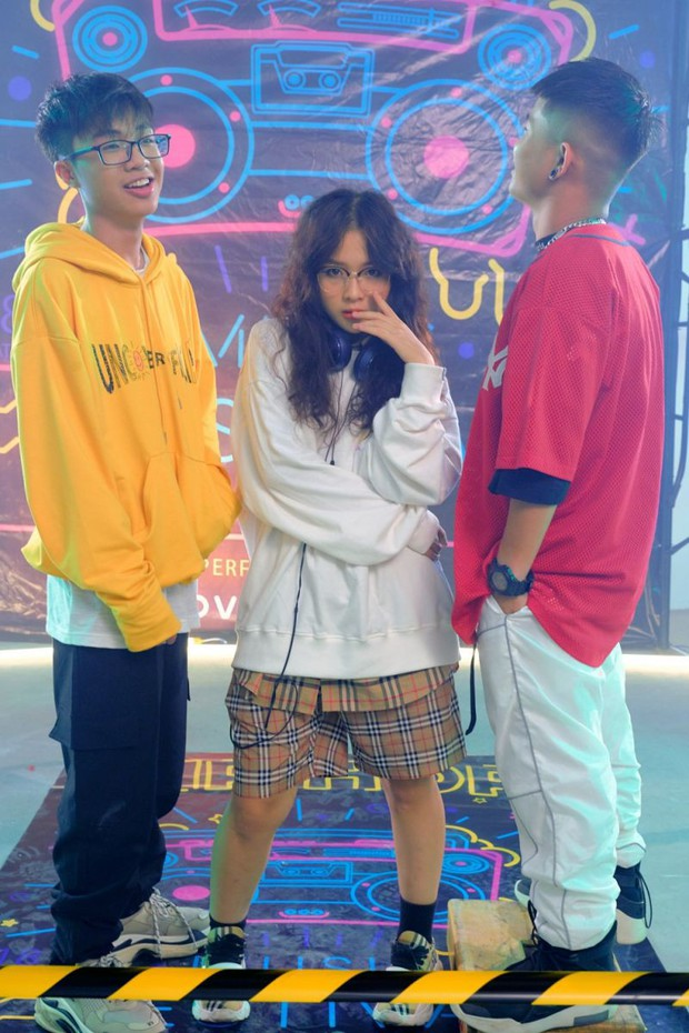 Hot từ bản demo, MV Simple Love của tân binh sinh năm 2001 vượt qua Jack và K-ICM nhảy thẳng  Top 1 Trending đầy xuất thần! - Ảnh 3.