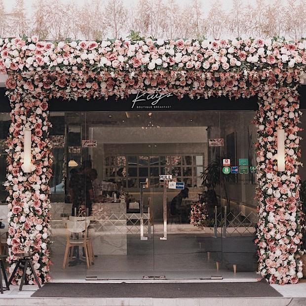 Xuất hiện quán cafe chỉ dành cho hội bánh bèo ở ngay trung tâm Bangkok, nhìn hình mà cứ tưởng lạc vào lâu đài hoa - Ảnh 6.