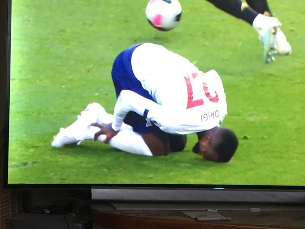 Tiền đạo của Liverpool thực hiện cú lừa cực hiểm, cuối cùng vẫn không thể qua mắt các chuyên gia super soi nước Anh - Ảnh 2.