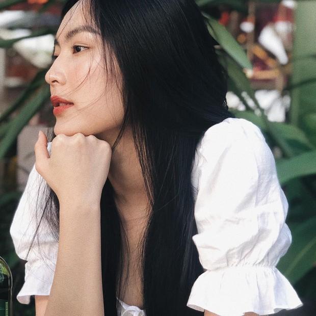 Nhất định không cắt tỉa, nhuộm màu mà chỉ nuôi dài, Helly Tống vẫn có mái tóc đẹp tới mức đáng ghen tị - Ảnh 1.