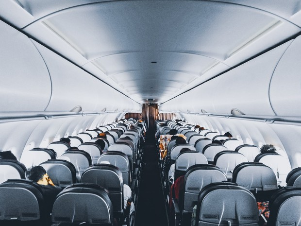 """11 nguyên tắc vàng khi đi máy bay bất kể ai cũng phải biết để không trở thành """"cái gai"""" trong mắt người khác - Ảnh 4."""