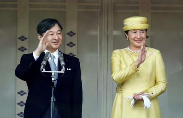 Sau 6 tháng lên ngôi, vợ chồng Nhật hoàng đã tạo nên nhiều sự khác biệt, nhất là cú lột xác ngoạn mục của Hoàng hậu Masako - Ảnh 1.