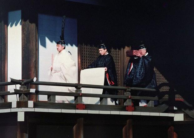 Lịch trình lễ đăng quang chính thức của Nhật hoàng Naruhito vào ngày mai cho thấy sự chi tiết, tỉ mỉ của hoàng gia lâu đời nhất thế giới - Ảnh 1.