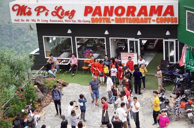 Hàng ngàn du khách check in ở Panorama Mã Pì Lèng giữa lúc đình chỉ hoạt động - Ảnh 4.