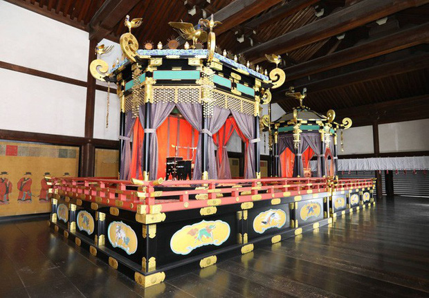 Lịch trình lễ đăng quang chính thức của Nhật hoàng Naruhito vào ngày mai cho thấy sự chi tiết, tỉ mỉ của hoàng gia lâu đời nhất thế giới - Ảnh 3.