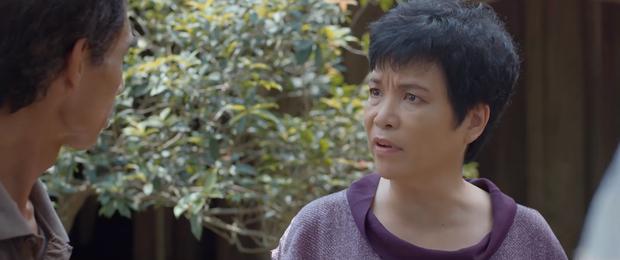 Hoa Hồng Trên Ngực Trái tập 23: Tính mạng con gái bị đe doạ mà Thái vẫn mải tranh nhà, cướp đất từ Khuê - Ảnh 1.
