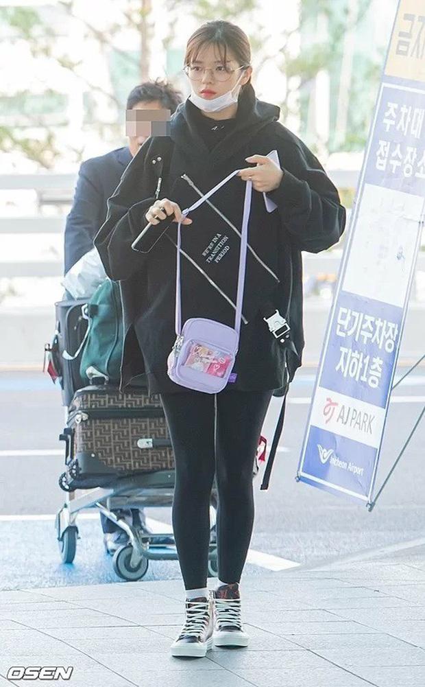 TWICE và Somi đụng độ tại sân bay: Nhan sắc dàn mỹ nhân nhà JYP lên hương, Somi gây chú ý vì được bố tài tử hộ tống - Ảnh 10.