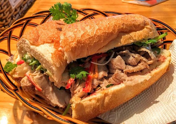 Chuyên trang nước ngoài bình chọn ra list 10 hàng bánh mì ngon nhất Sài Gòn, bất ngờ nhất với vị trí số 3 - Ảnh 23.