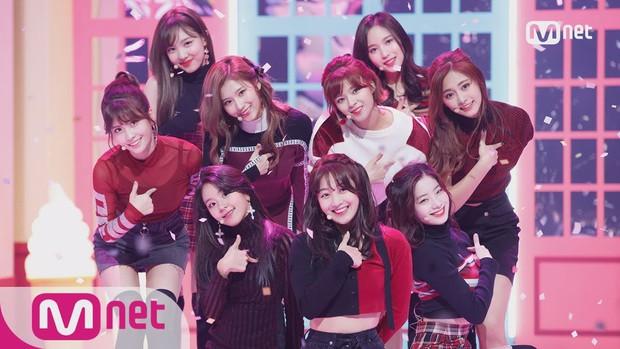 MAMA 2019 đối diện nguy cơ nhiều nghệ sĩ từ chối tham dự, netizen hả hê: Mnet tạo nghiệp từ Produce X 101 thì giờ phải trả - Ảnh 3.