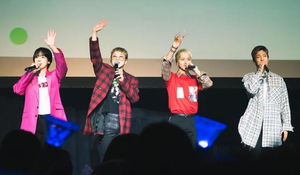 Giữa lúc WINNER tái xuất, iKON vẫn chạy tour miệt mài, chúc mừng sinh nhật B.I tại fanmeeting khiến fan cảm động - Ảnh 1.