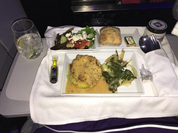 Suất ăn hạng nhất của 15 hãng hàng không này sẽ làm thay đổi quan niệm của bạn về chuyện ăn uống trên máy bay - Ảnh 10.