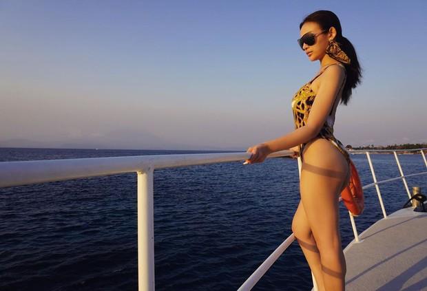 Huyền Baby rủ hội chị em thả dáng trên du thuyền ở Bali, khoe body cực căng chào tuổi 30 - Ảnh 4.
