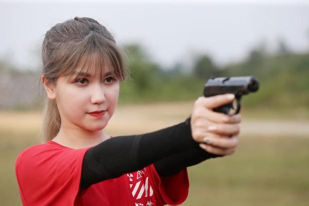 Thanh Hương (Quỳnh búp bê), Vương Anh (Về nhà đi con), hot streamer Độ Mixi... đối đầu trong show thực tế bắn súng - Ảnh 2.