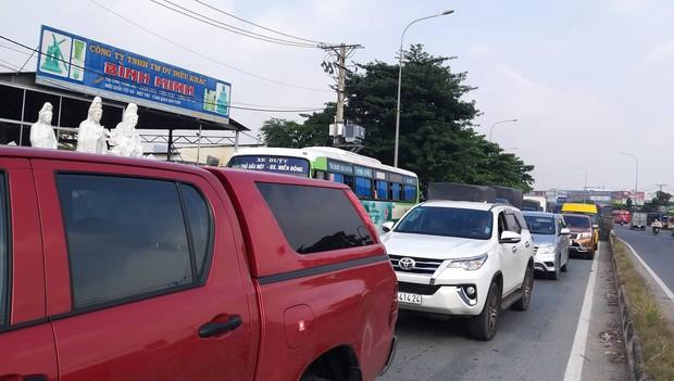TP. HCM: 2 vợ chồng trẻ bị xe container cán tử vong trên đường đưa con đi học, bé gái 5 tuổi bị thương nặng - Ảnh 5.