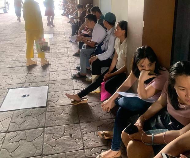 Nhiều cửa hàng Món Huế ngừng hoạt động tại Sài Gòn, cả trăm nhà cung cấp kéo đến đòi nợ hàng tỉ đồng - Ảnh 1.