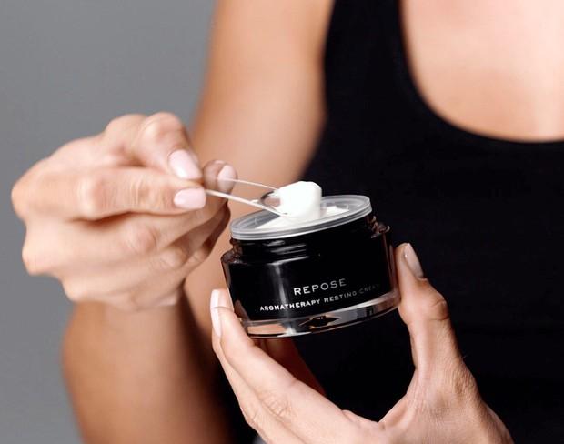 7 sản phẩm skincare có công dụng kỳ diệu như beauty sleep, bảo toàn làn da căng mọng hồng hào ngay cả khi bạn thiếu ngủ - Ảnh 2.