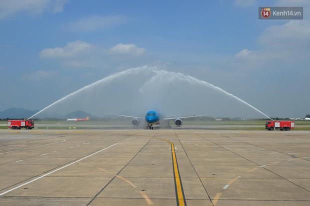 Vietn.am Airlines đón chiếc máy b.ay thứ 100, bổ sung máy b.ay thân rộng vào đoàn b.ay hiện đại - Ảnh 4.