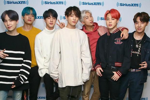 Đỉnh cao như anh em nhà Big Hit: Dắt tay nhau thống trị BXH nhạc số Billboard, riêng BTS còn lội ngược dòng ngoạn mục! - Ảnh 6.