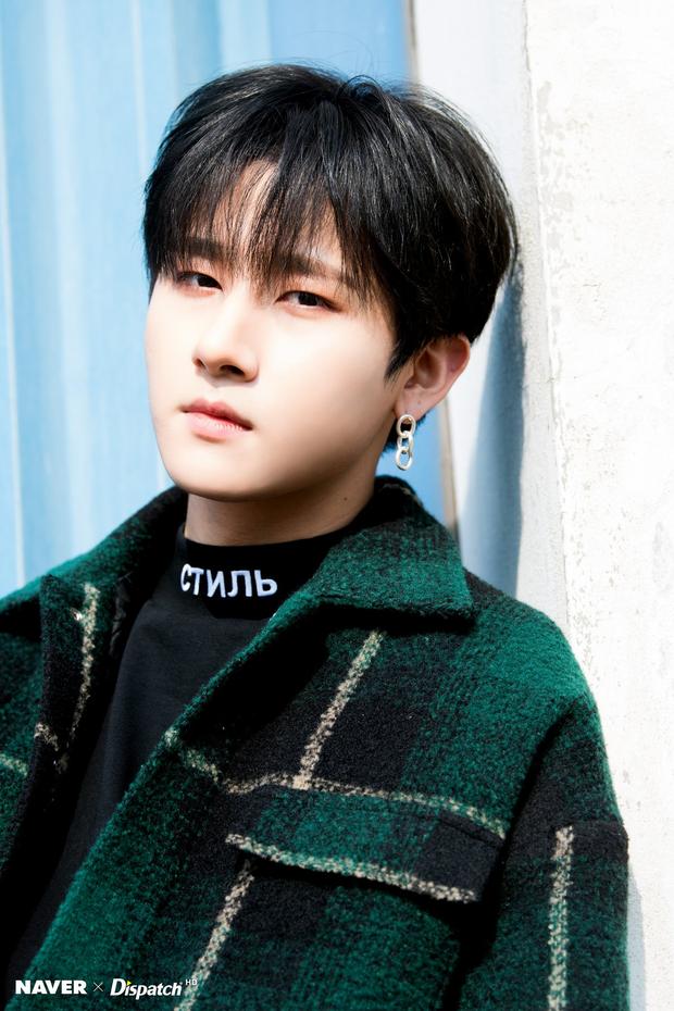 11 idol Kpop là bản sao của bố mẹ: Cha con nhà V (BTS) quá đỉnh, mẹ của mỹ nhân TWICE gây bão vì ảnh hồi trẻ - Ảnh 27.