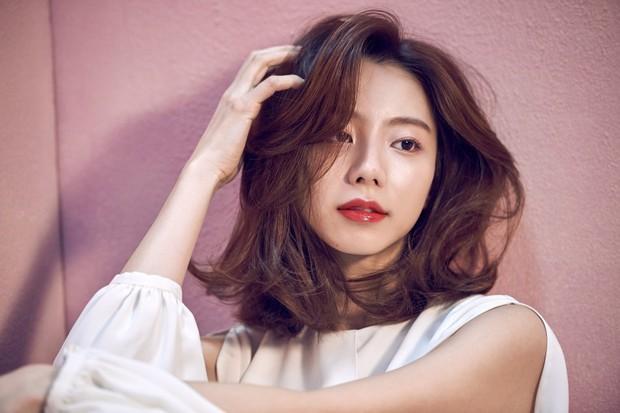 Ai ngờ loạt diễn viên nữ siêu hot xứ Hàn này từng là idol Kpop: Mờ nhạt rồi đổi đời, người còn lấy đại gia giải trí - Ảnh 3.