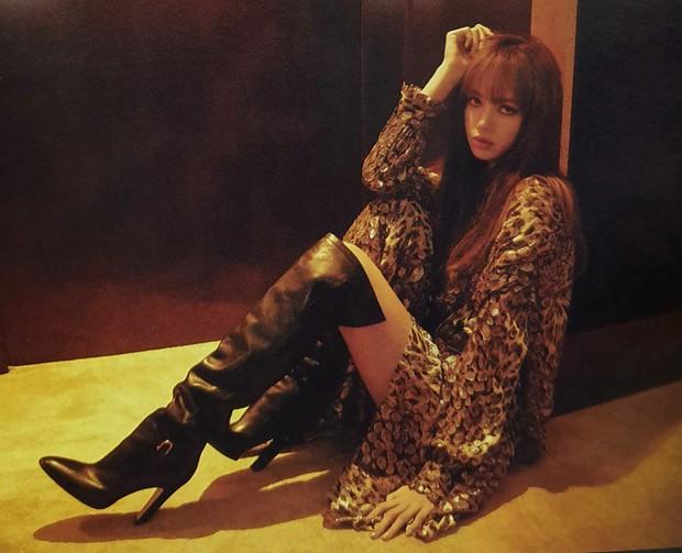 Ngộp thở vì ảnh tạp chí của Jennie - Lisa (BLACKPINK) ở châu Âu: Thần thái chưa gây choáng bằng nhan sắc xuất thần - Ảnh 14.