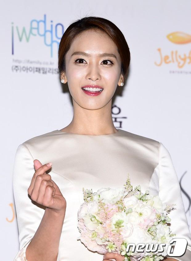 Ai ngờ loạt diễn viên nữ siêu hot xứ Hàn này từng là idol Kpop: Mờ nhạt rồi đổi đời, người còn lấy đại gia giải trí - Ảnh 10.