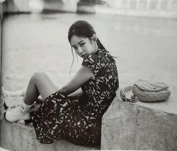 Ngộp thở vì ảnh tạp chí của Jennie - Lisa (BLACKPINK) ở châu Âu: Thần thái chưa gây choáng bằng nhan sắc xuất thần - Ảnh 7.