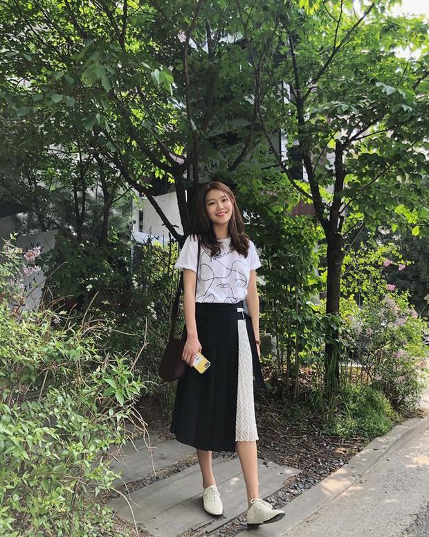 Mấy nàng thích mặc đẹp sao có thể làm ngơ trước 12 cách diện chân váy xinh nức nở này của sao Hàn? - Ảnh 2.