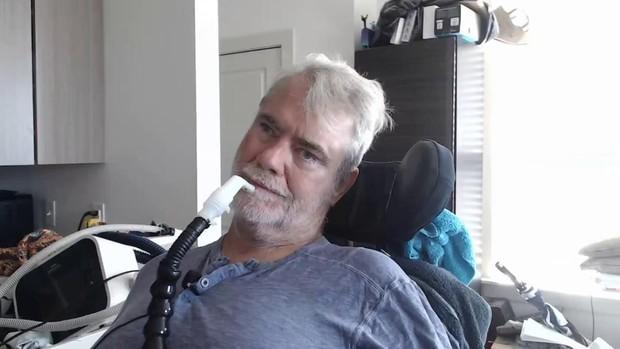 Cười nhạo người khuyết tật, streamer gặp nghiệp quật không thể cay đắng hơn! - Ảnh 1.