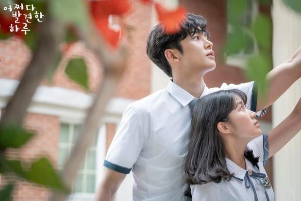 5 bộ phim chứng minh biên kịch Hàn đúng là thánh đặt tên: Extraordinary You nhìn vào đã biết ai là nam chính? - Ảnh 1.