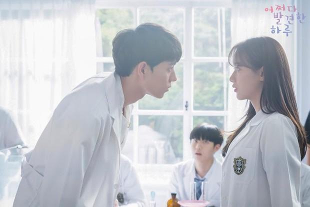 5 bộ phim chứng minh biên kịch Hàn đúng là thánh đặt tên: Extraordinary You nhìn vào đã biết ai là nam chính? - Ảnh 3.