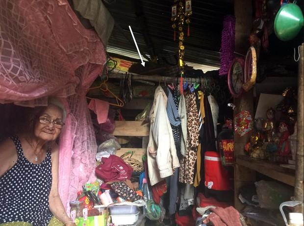 Người phụ nữ Sài Gòn một thời giàu có, 94 tuổi sống gầm cầu, bán vé số - Ảnh 4.