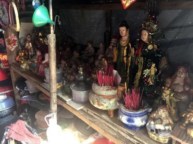 Người phụ nữ Sài Gòn một thời giàu có, 94 tuổi sống gầm cầu, bán vé số - Ảnh 5.